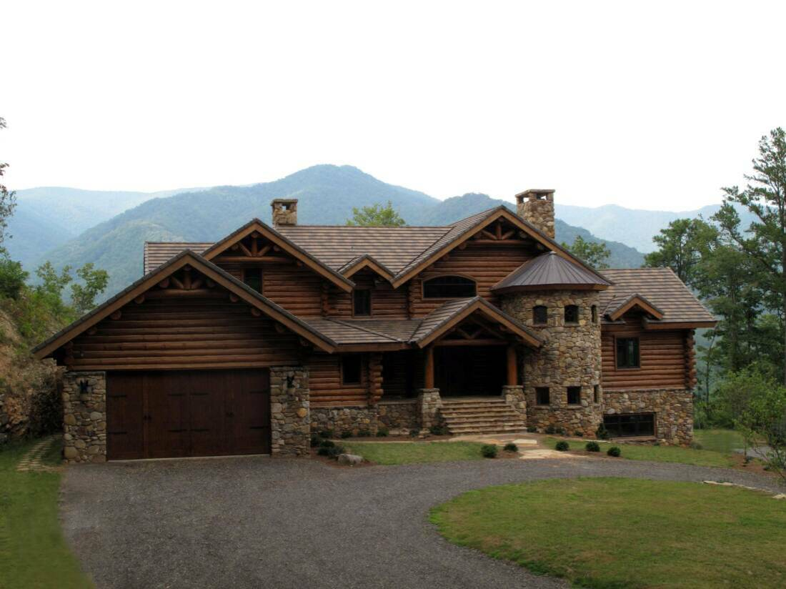 Luxury carolina log home north carolina mountain estate for Luxury log home